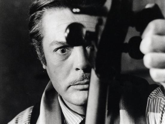 ll viaggio di G. Mastorna di Federico Fellini - Un esperimento di ricostruzione El viatge de Mastorna de Federico Fellini. Un experiment de reconstrucció